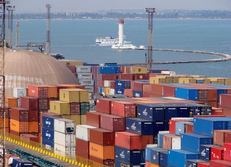 Морские контейнерные перевозки значительно выросли на фоне общего спада грузоперевозок в Украине