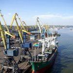 Росія продовжує блокувати морські вантажні перевезення в українські порти на Азовському морі