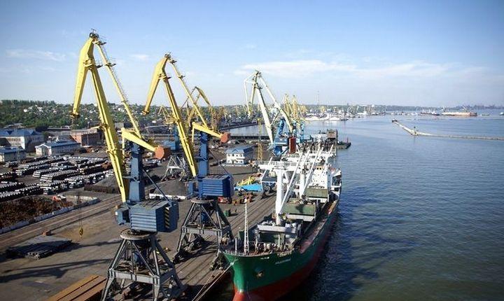 Россия продолжает блокировать морские грузовые перевозки в украинские порты на Азовском море