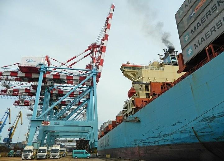 Украина резко нарастила контейнерные перевозки