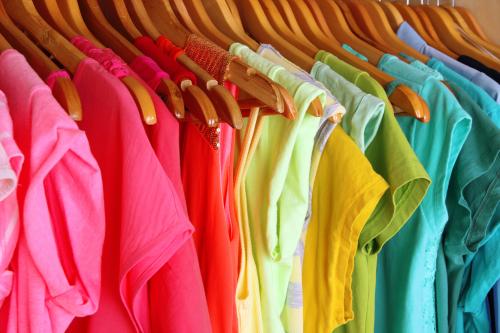 Доставка одежды из Вьетнама в Украину