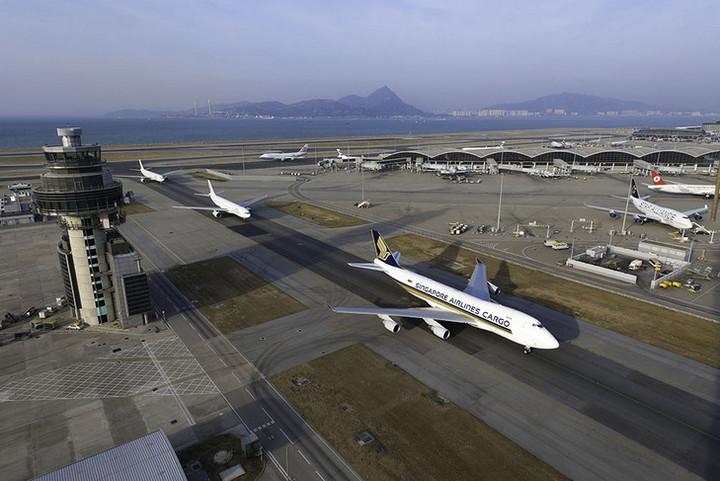 Аеропорт Гонконг зберіг лідерство за обсягами авіаперевезення вантажів