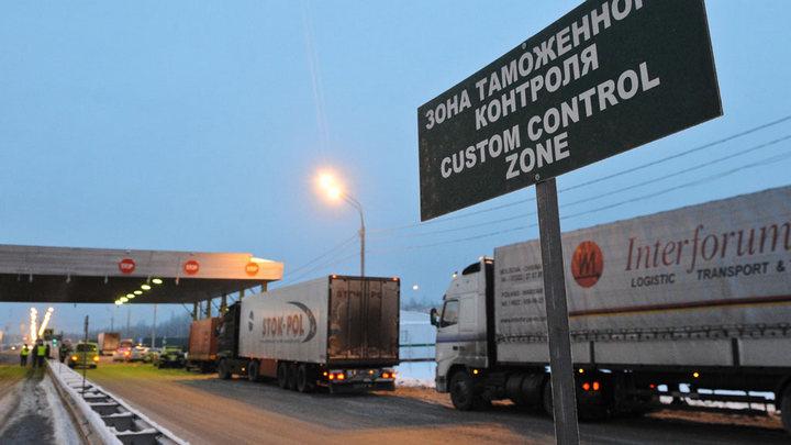 Україна і Білорусь зняли обмеження на вантажні автомобільні перевезення